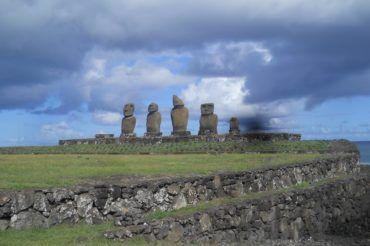 Ślady pod Krzyżem Południa – Gigantyczny Moai
