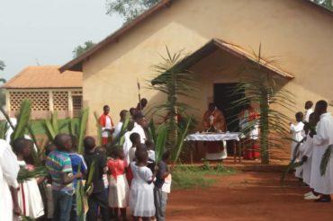 Niedziela Palmowa na misji Nguelemendouka (Kamerun)